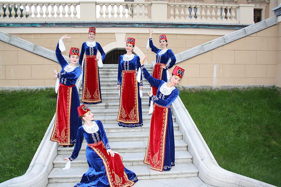 Выступление ансамбля АрмСтайл в Стрельне. Фото 2
